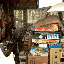 How to Confront and Help a Hoarder Clean Their Home